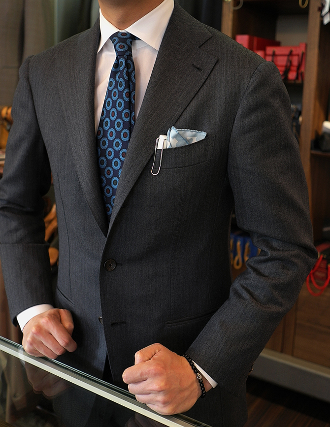 interiore Albero Tochi giardino  Come abbinare la cravatta alla camicia - Consigli di stile