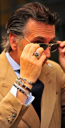 Giampaolo Alliata, bracelets