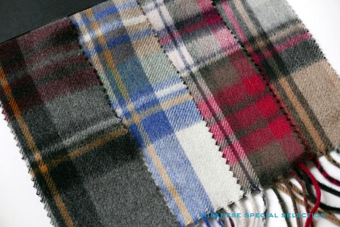 Nos écharpes en cachemire à motifs tartan, pour homme et femme
