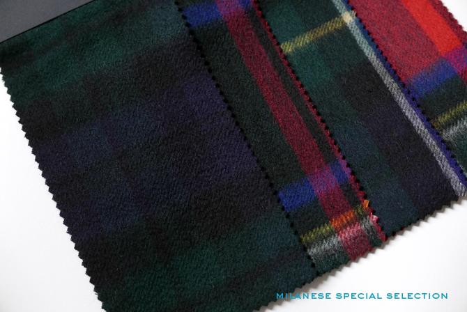 Nos écharpes en cachemire, motif tartan, dimensions 70 x 190 cm / cashmere scarves